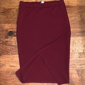 Pencil skirt with front split